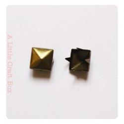 10 clous à griffe carré 7x7mm -  bronze