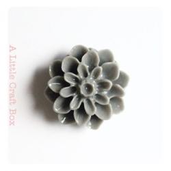 """2 cabochons """"chrysantheme"""" - gris"""
