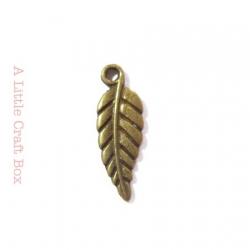 """5 breloques """"petite feuille"""" - bronze"""