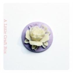 """1 cabochon rond 18mm """"fleur""""   - violet / ivoire"""