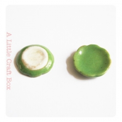 1 petite assiette - vert