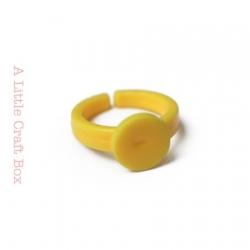 1 bague enfant acrylique - jaune