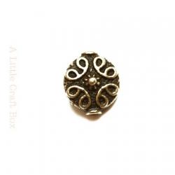 """2 perles séparatrices """"rond à motif"""" -  bronze"""