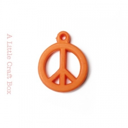 "5 breloques "" peace and love "" - orange"