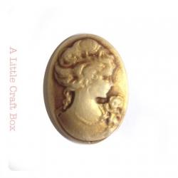 "1 cabochon ""femme"" 24x18mm - bronze"