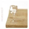 1 verre à vin  miniature