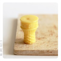 1 petite cornet  miniature