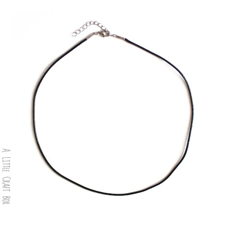 1 collier en cordon ciré  avec fermoir de 47cm   - or