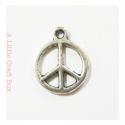 3 breloques Peace and love - argent vieilli