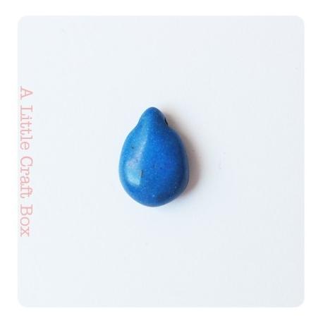 "2 perles howlite de turquoise ""goutte"" - bleu"