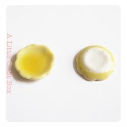 1 petite assiette - jaune