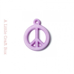 "5 breloques "" peace and love "" - mauve"
