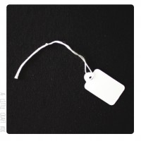 15 Tags/ Etiquettes blanches 23mm