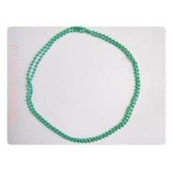 Une chaine à bille 70cm - vert pastel